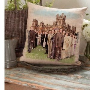 DOWNTON ABBEY | accent pillow